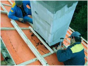 правильная герметизация трубы на крыше