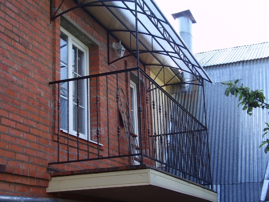 крыша балкона из поликарбоната