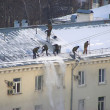 uborka_snega_na_krovle
