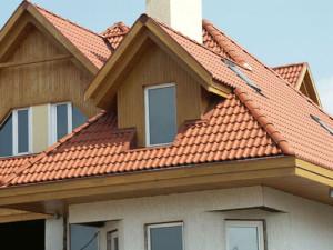 крыша дачи из натуральной черепицы