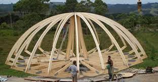 деревянный каркаса для купольной крыши