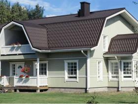 Для мансардной крыши лучше выбирать темные оттенки