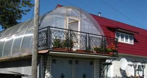 Поликарбонатная крыша на гараже